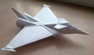 Ornament-Origami-Fighter-Jet-Gust